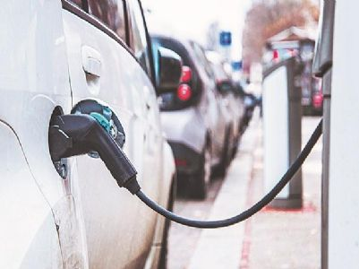 Jio-bp partners with BluSmart to set up commercial EV charging stations in India; first phase in Delhi-NCR